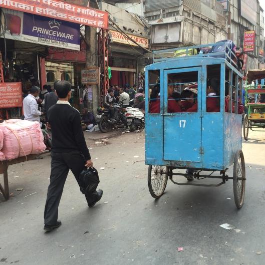 Delhi_schoolbus