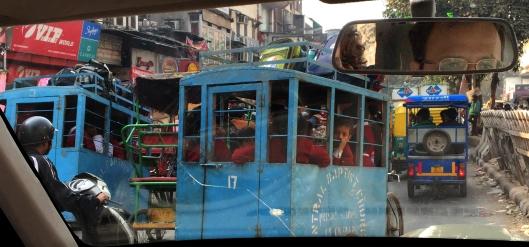 Schoolbus_Delhi_windshield
